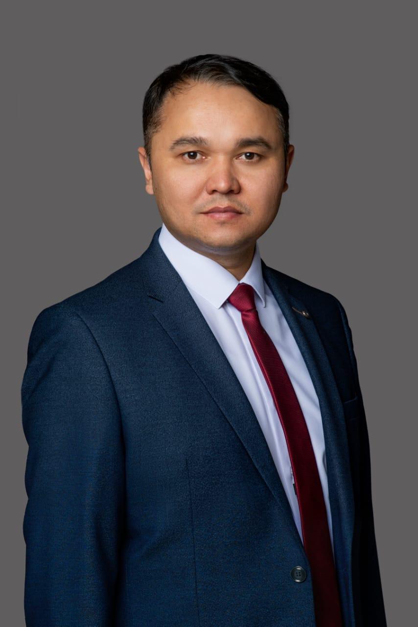 Директор — Ғайсин Ринат Рашит улы