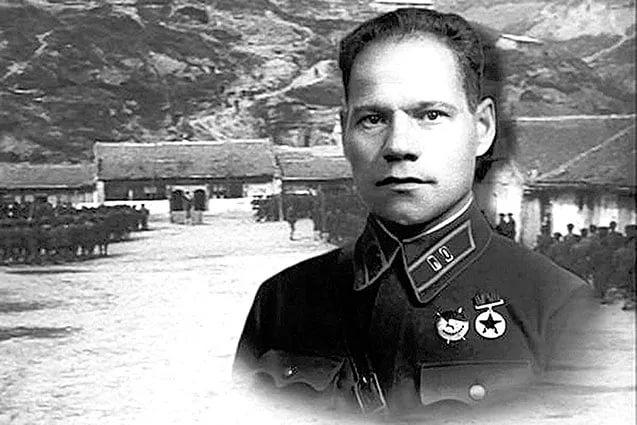 Нефтекама дәүләт филармонияһы данлыҡлы генерал-майор Миңлеғәле Шайморатовтың 120-йыллығына арналған флешмобҡа ҡушылды.